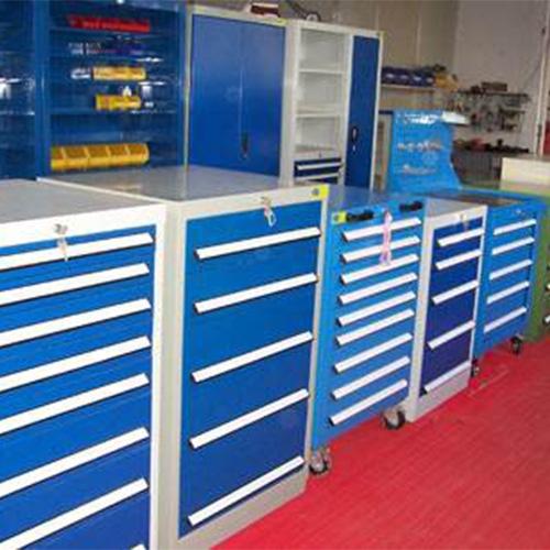 移动工具柜车